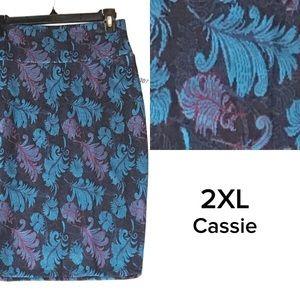 LuLaRoe 2XL feathers Cassie pencil skirt.